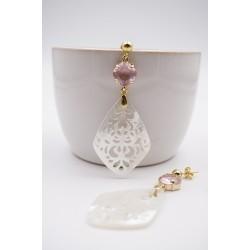 Ohrringe mit Perlmutt Ornament